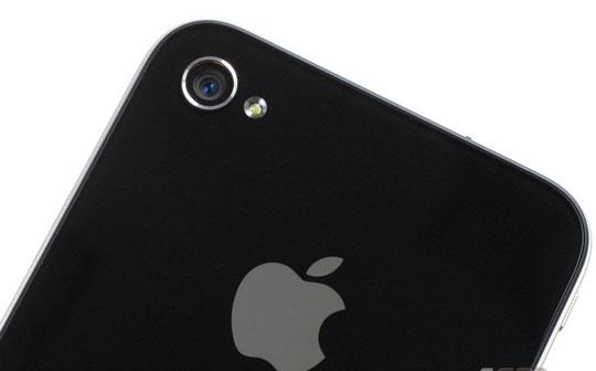 iPhone 4 budet osnashchen vspyshkoi i novym protsessorom