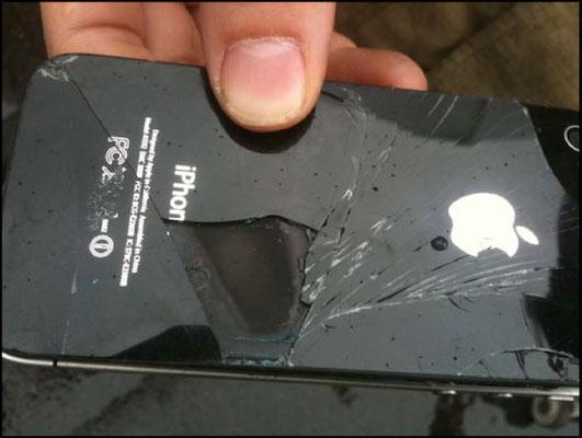 iPhone 4 zagorelsya na bortu samoleta
